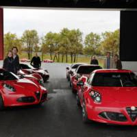 Alfa Romeo 4C reaches its first customers