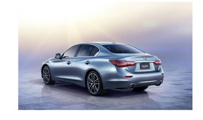 Infiniti Q50 updated with new 2.0 liter turbo Mercedes engine