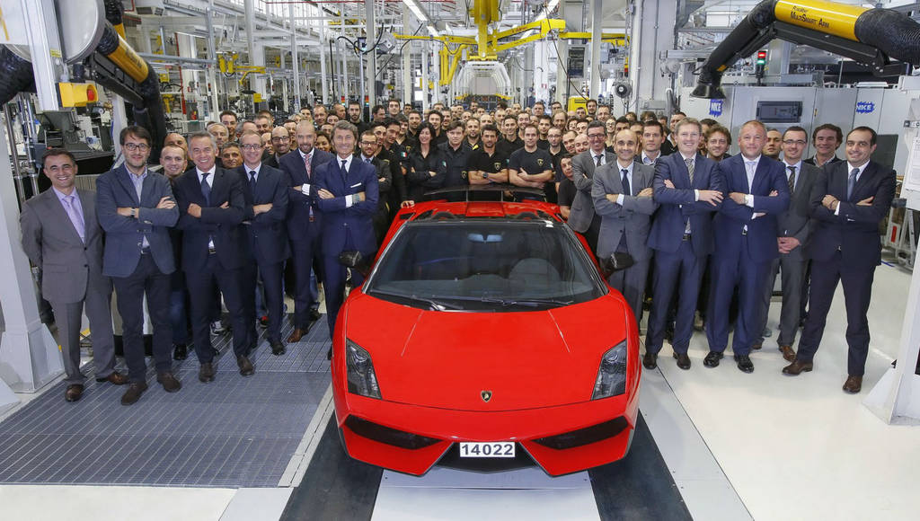 Lamborghini Gallaerdo LP570-4 Spyder Performante at the end of the line