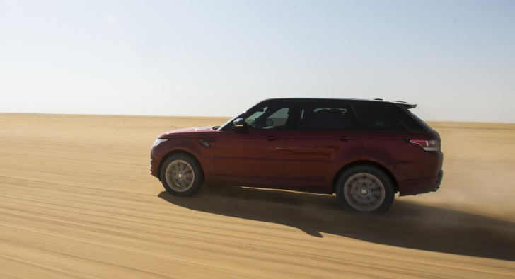 Range Rover Sport crosses Arabia Empty Quarter