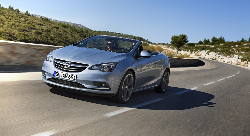 2014 Opel Cascada Turbo available for 29.490 euro