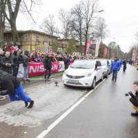Strongest man in the world tows 12 Nissan Leaf
