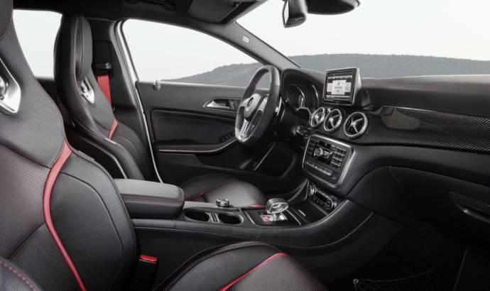 2014 Mercedes GLA45 AMG unveiled