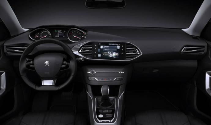 Peugeot 308 SW gets detailed