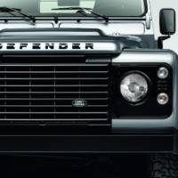 Land Rover Defender black and silver packs