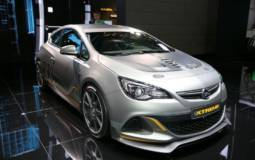 2014 Opel Astra OPC Extreme bows in Geneva