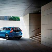 2014 Volvo V60 Plug-in Hybrid with R-Design package - Official pictures and details