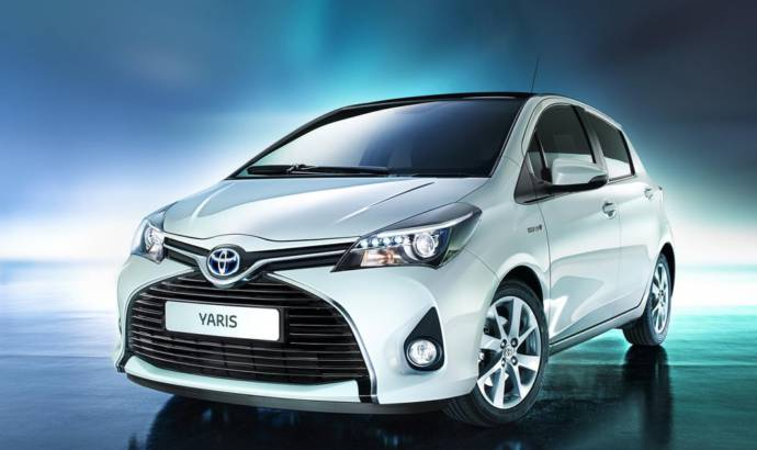 2015 Toyota Yaris facelift - The first official picture with the Euro-spec version