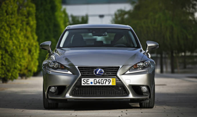 Lexus IS200t is in the works