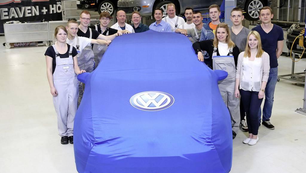 Volkswagen Golf GTI Performance Concept teaser