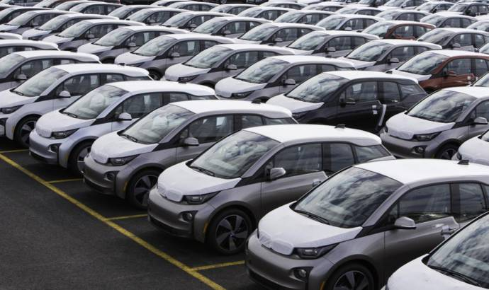 BMW i3 delivered to first US customer
