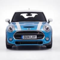 2015 Mini five-door version unveiled