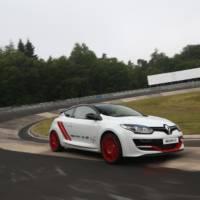 Renault Megane RS Trophy-R sets Nurburgring record
