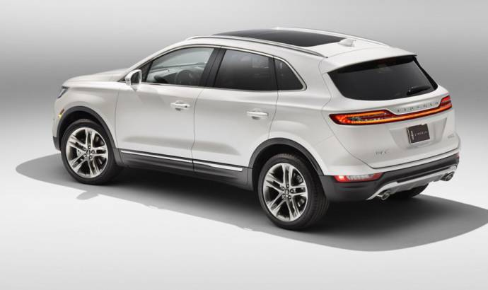 VIDEO: 2015 Lincoln MKC review