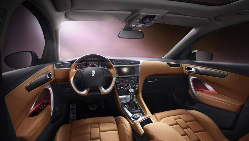 Citroen DS 6WR first interior photos