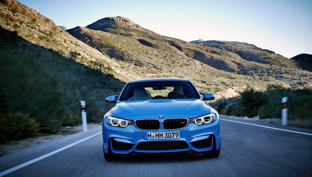 VIDEO: Legendary BMW M3 E30 DTM vs BMW M3 F80