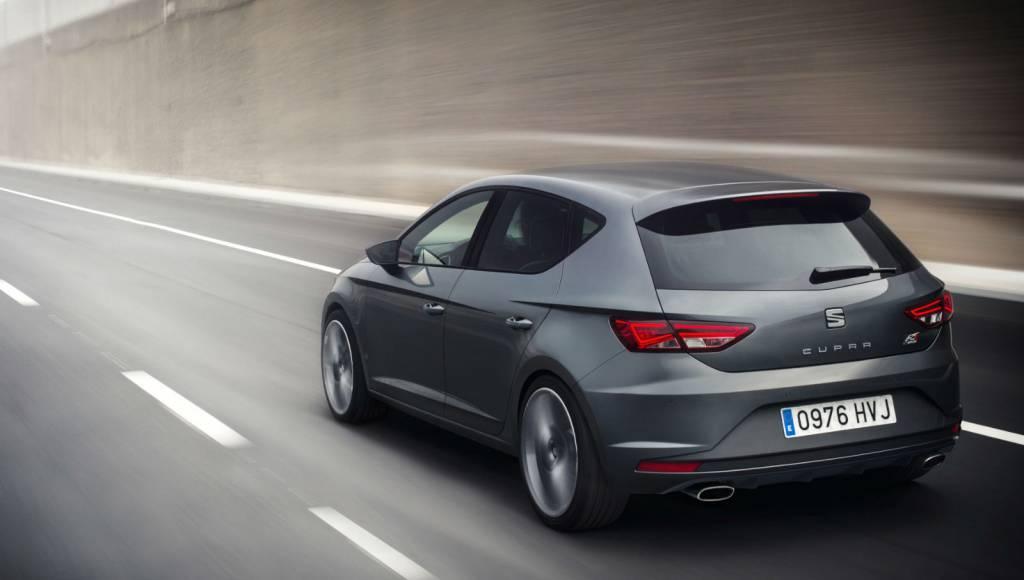 VIDEO: Volkswagen Golf R vs Seat Leon Cupra