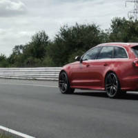 Audi RS6 Avant against the Ducati 1199 Panigale R
