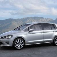 Volkswagen Golf Sportsvan reviewed in UK