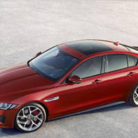 2015 Jaguar XE officially unveiled