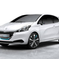 Peugeot 208 Hybrid Air 2L ready for Paris debut
