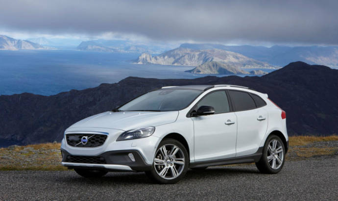 Volvo V40 Cross Country to receive all wheel drive