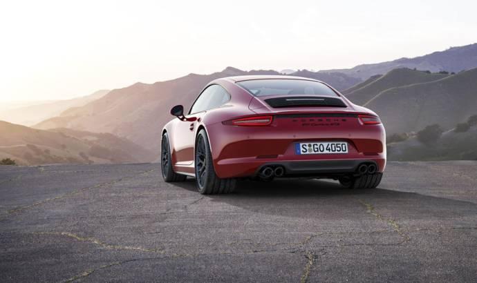 2015 Porsche 911 GTS first photos and details