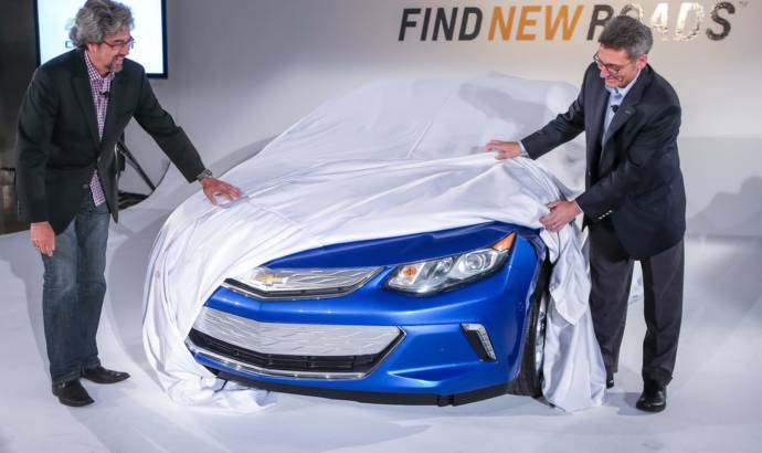 2016 Chevrolet Volt teaser and new info