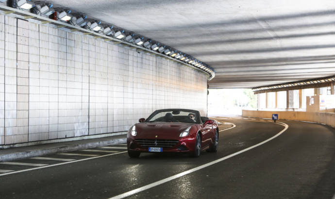 Ferrari California T reviewed by Raffaele De Simone (VIDEO)