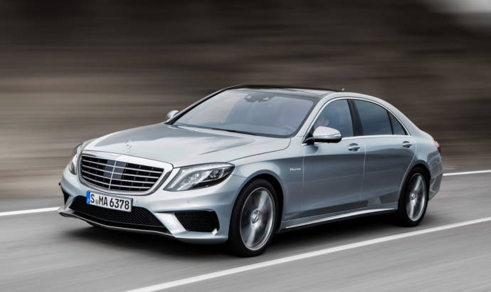 Mercedes S63 AMG confronts the Porsche Panamera Turbo S