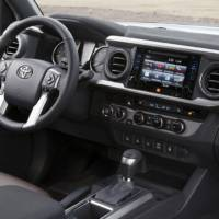 2016 Toyota Tacoma - Official pictures and details