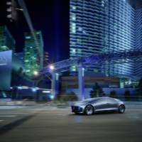 Mercedes-Benz F 015 Luxury in Motion concept revealed at 2015 CES