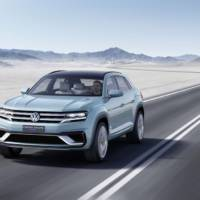 Volkswagen Cross Coupe GTE Concept introduced