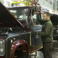 How is made: the ageing Land Rover Defender