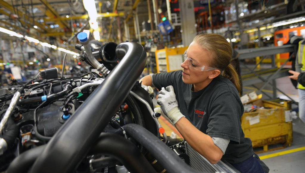 2015 Ford F-150 adds 1550 jobs in US Ford factories