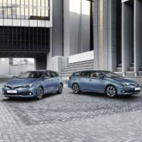 2015 Toyota Auris facelift introduced