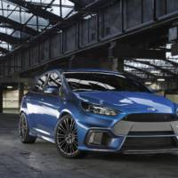 Ken Block drifts the new Ford Focus RS