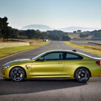 BMW M4 tackles the new Lexus RC F on a circuit