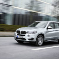 BMW X5 xDrive40e - Official pictures and details