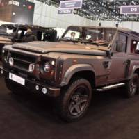Land Rover Defender Flying Huntsman by Kahn Design is the ultimate off-roading machine