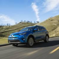 2016 Toyota RAV4 Hybrid unveiled