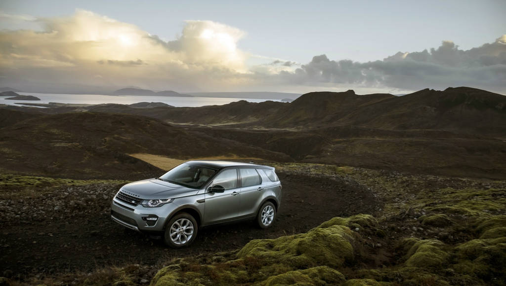 Land Rover Discovery Sport new 2.0 liter diesel engines