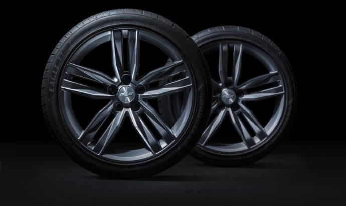 2016 Chevrolet Camaro wheels and brakes