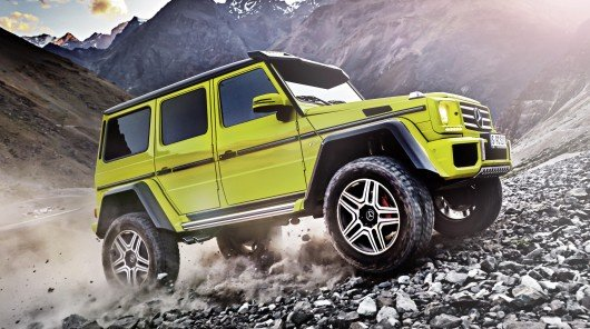 Mercedes G500 4x4 and Ford Raptor off-road battle