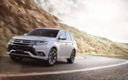 2016 Mitsubishi Outlander PHEV facelift introduced