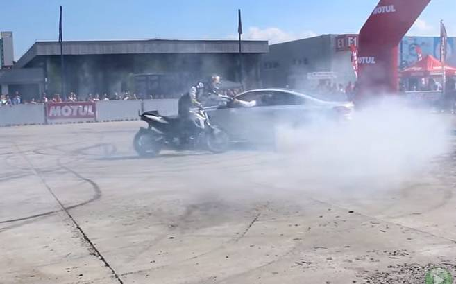 Chris Pfeiffer and Claudiu David shake their hands while drifting (+Video)