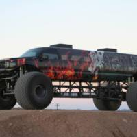 Ford Excursion - Monster truck or limousine?
