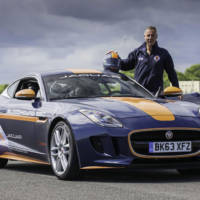 Jaguar F-Type Coupe deploys parachute for Bloodhound SSC