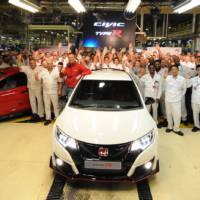 Honda Civic Type R rolls of the line at Swindon plant