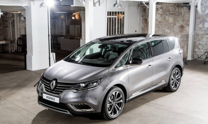 Renault Espace Initiale reviewed by the Germans